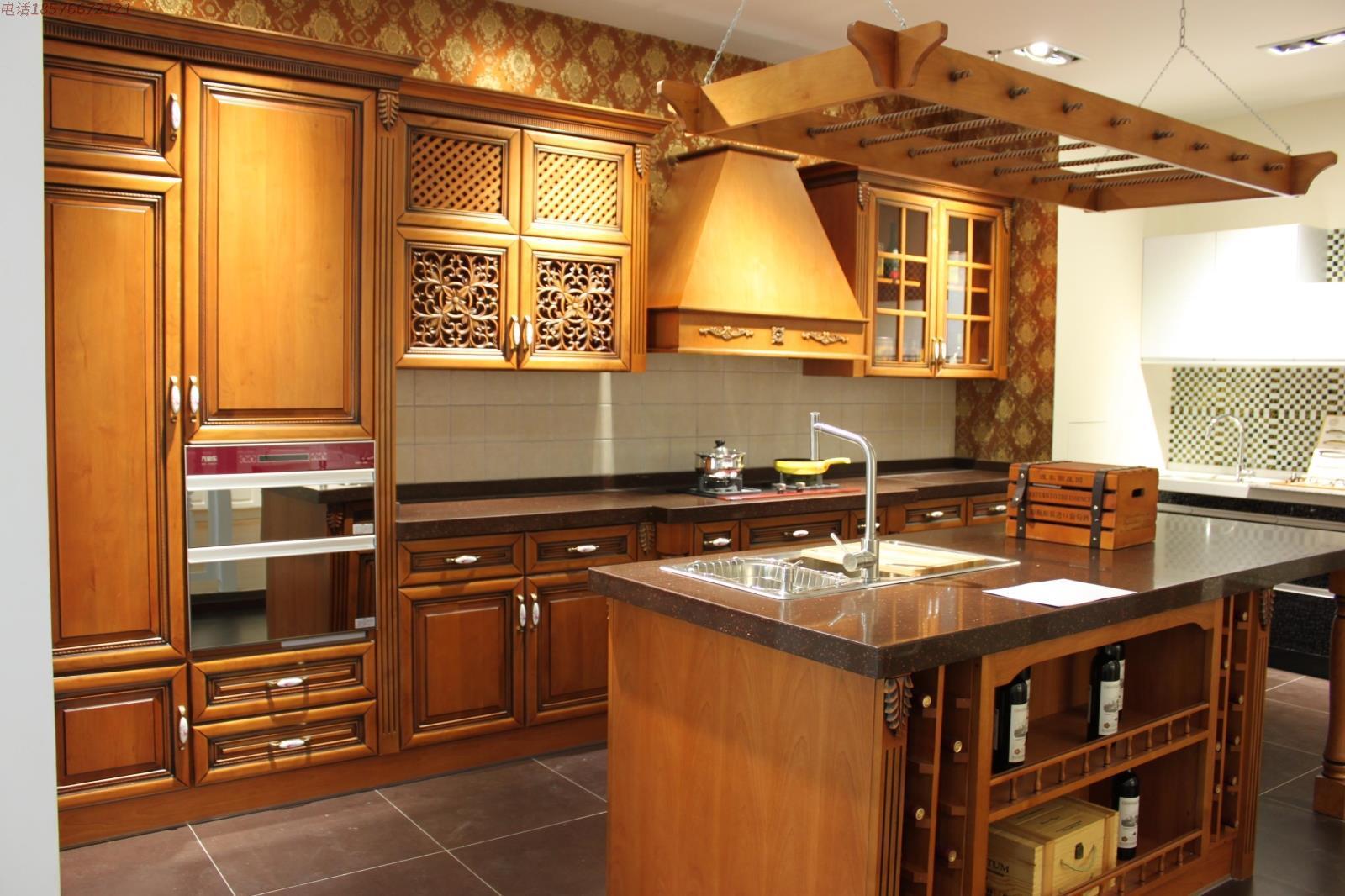 Điểm danh mẫu tủ bếp gỗ sồi Mỹ cho chung cư hiện đại
