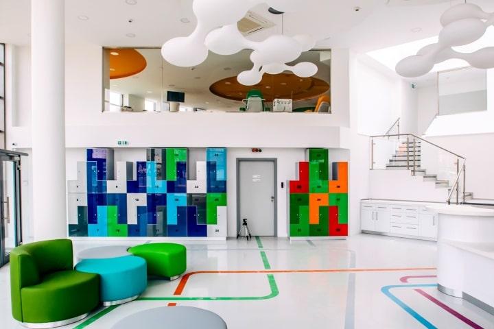 Thiết kế nội thất văn phòng trung tâm dịch vụ y tế chuyên nghiệp tại Hà Nội