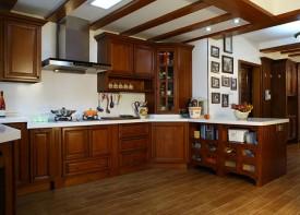 Tủ bếp gỗ gõ đỏ 03