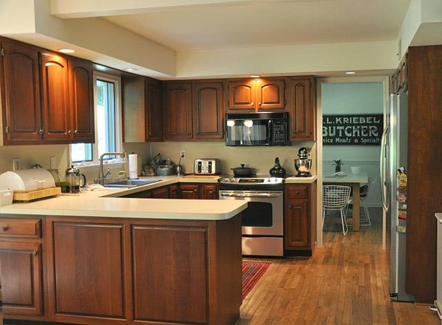 Tủ bếp gỗ gõ đỏ 06