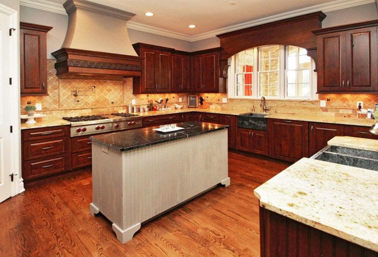Tủ bếp gỗ gõ đỏ 12