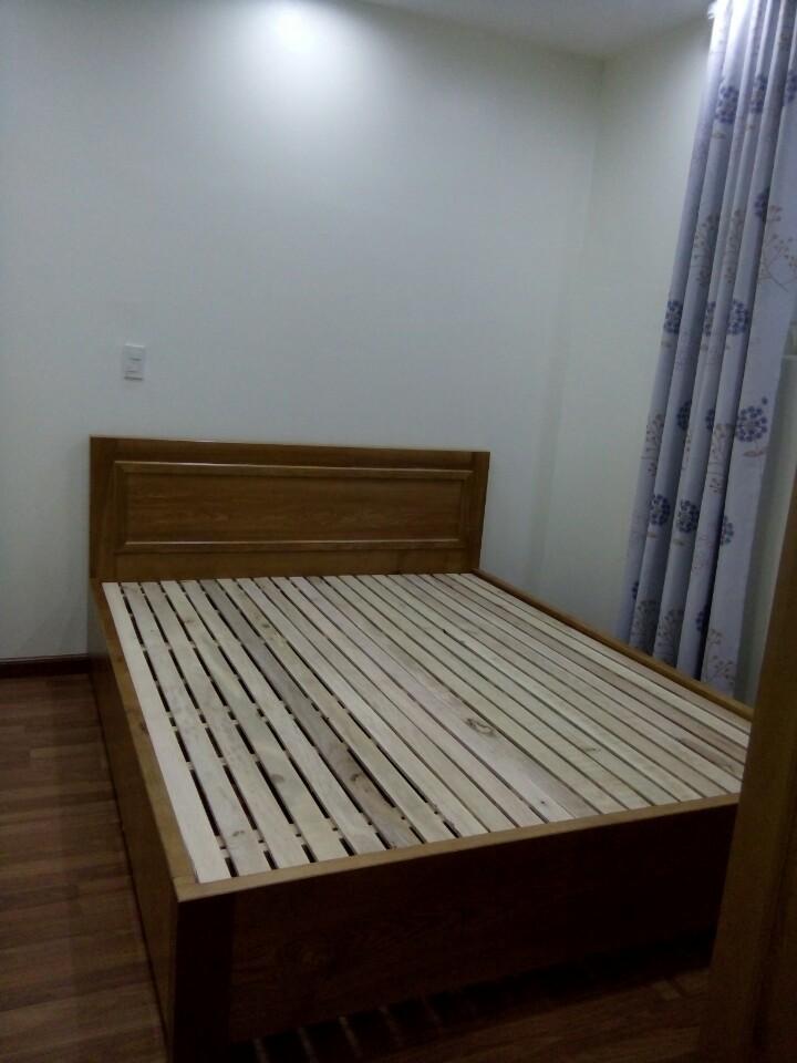 Giường gỗ sồi 03