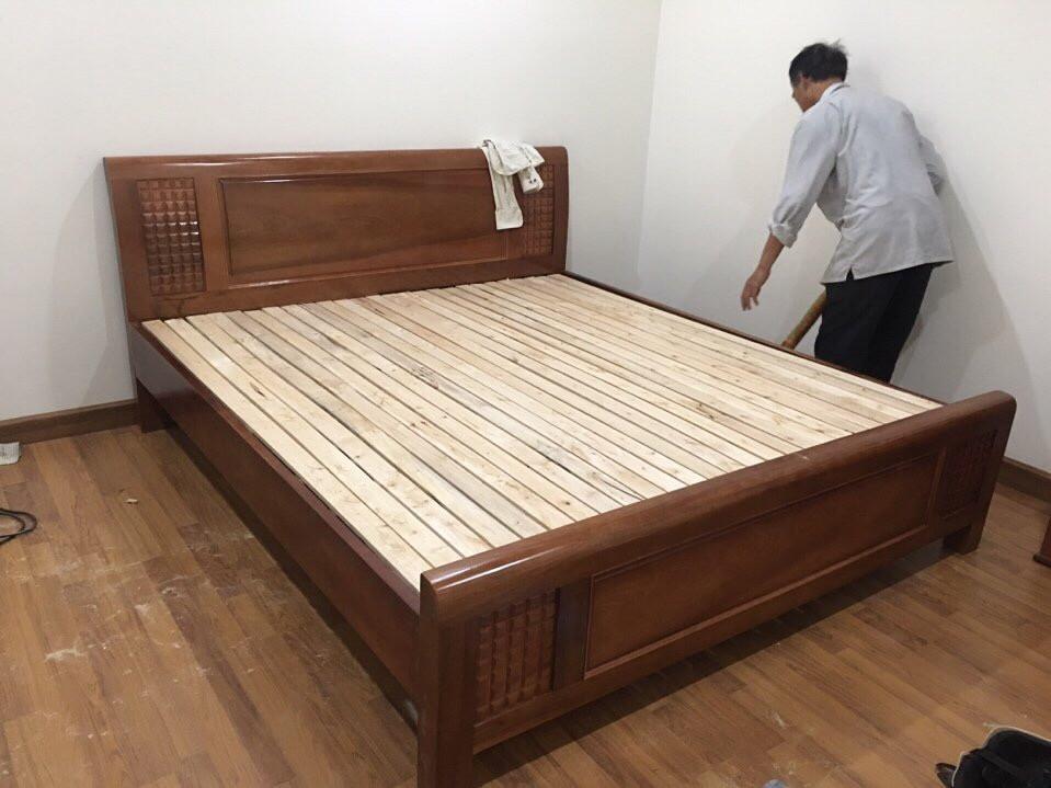Giường gỗ xoan đào 03